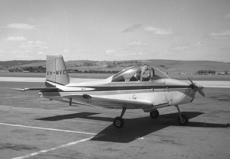 VH-MVC Victa Airtourer 1962