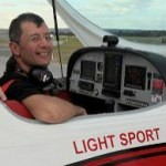 marc-louis-Vh-EZT-Jandakot-Airport-Western-Australia-flight-training-uni-flying-club-affordable-fun-flight-pilots-licence