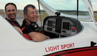 marc-louis-Vh-EZT-Jandakot-Airport-Western-Australia-flight-training-uni-flying-club-affordable-fun-flight-pilots-licence