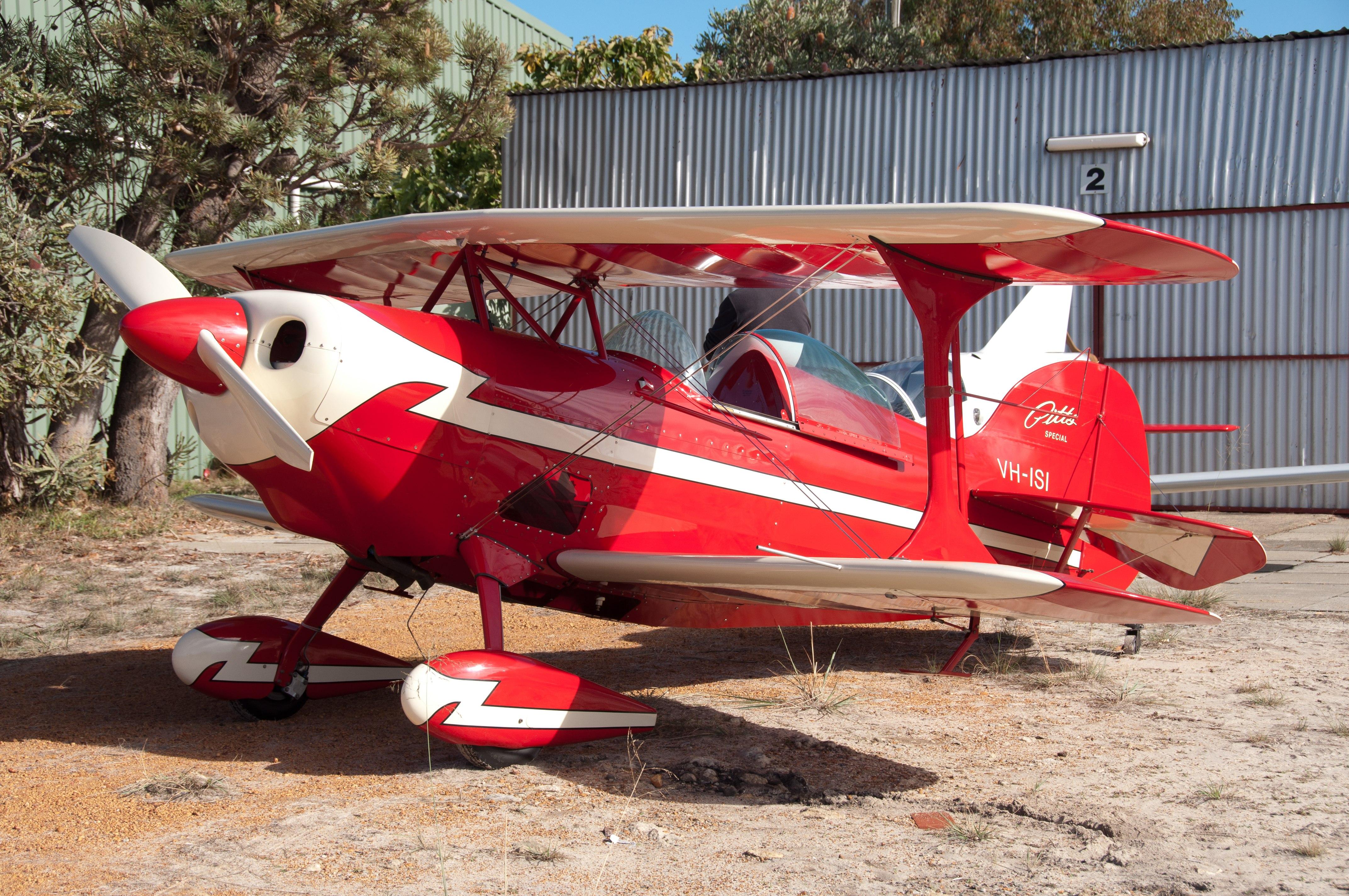 Serpentine SABC SAAA fly in aviation ufc uni flying club jandakot pitts special aerobatics