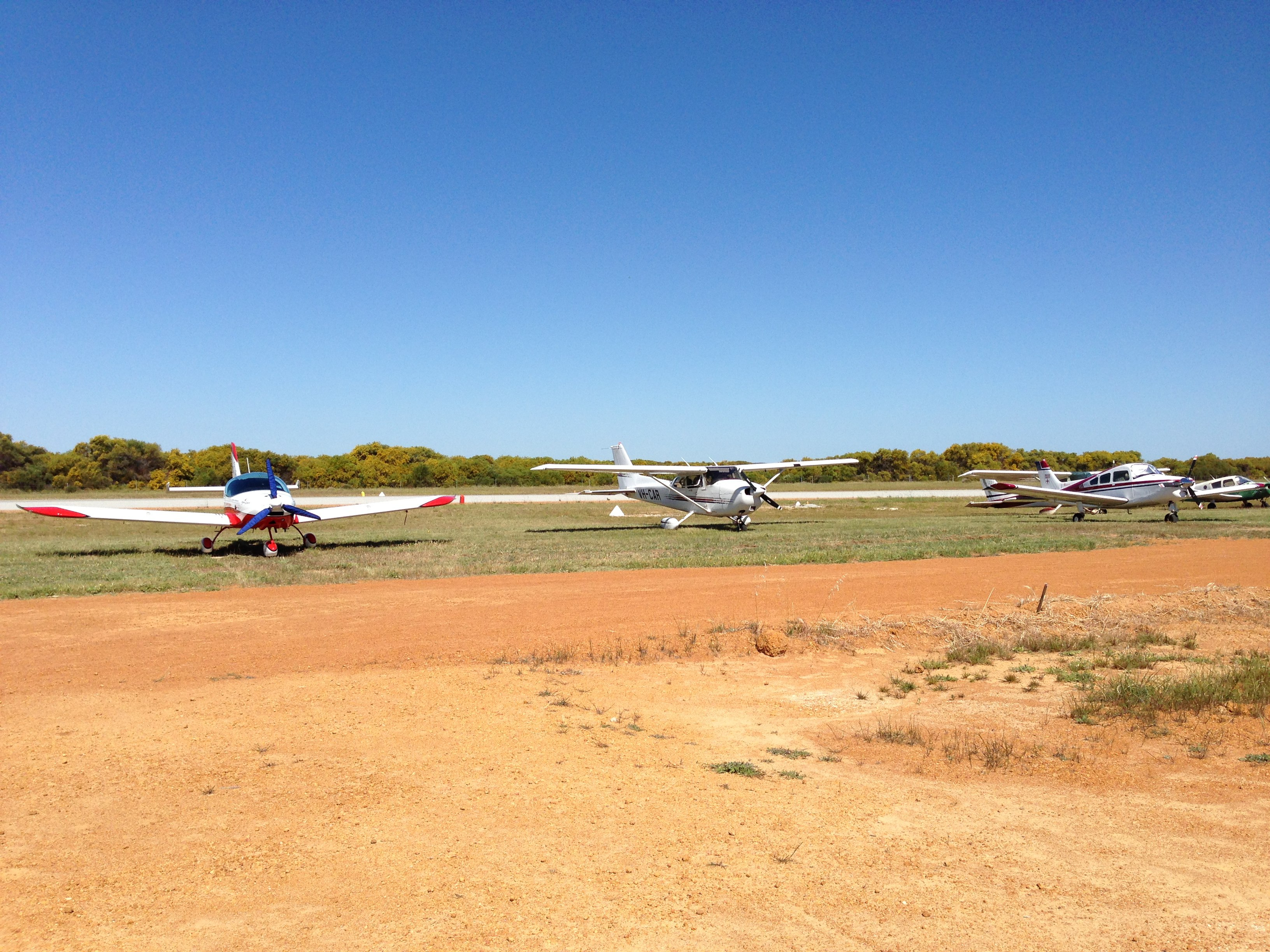 VH-EZT CSA pipersport sportscruiser parked at Jurien Bay Airport
