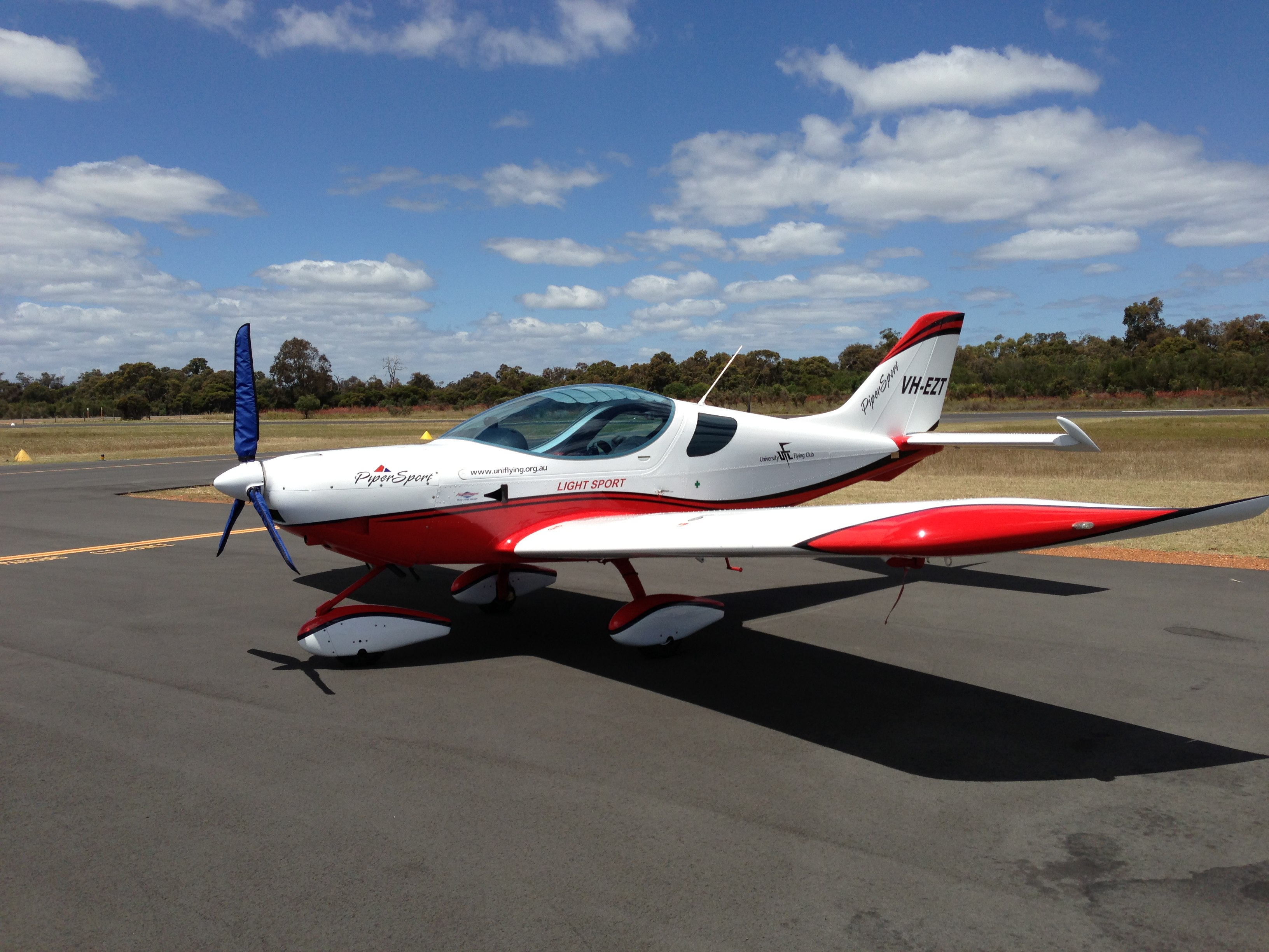 VH-EZT CSA pipersport sportscruiser parked at Bunbury Airport