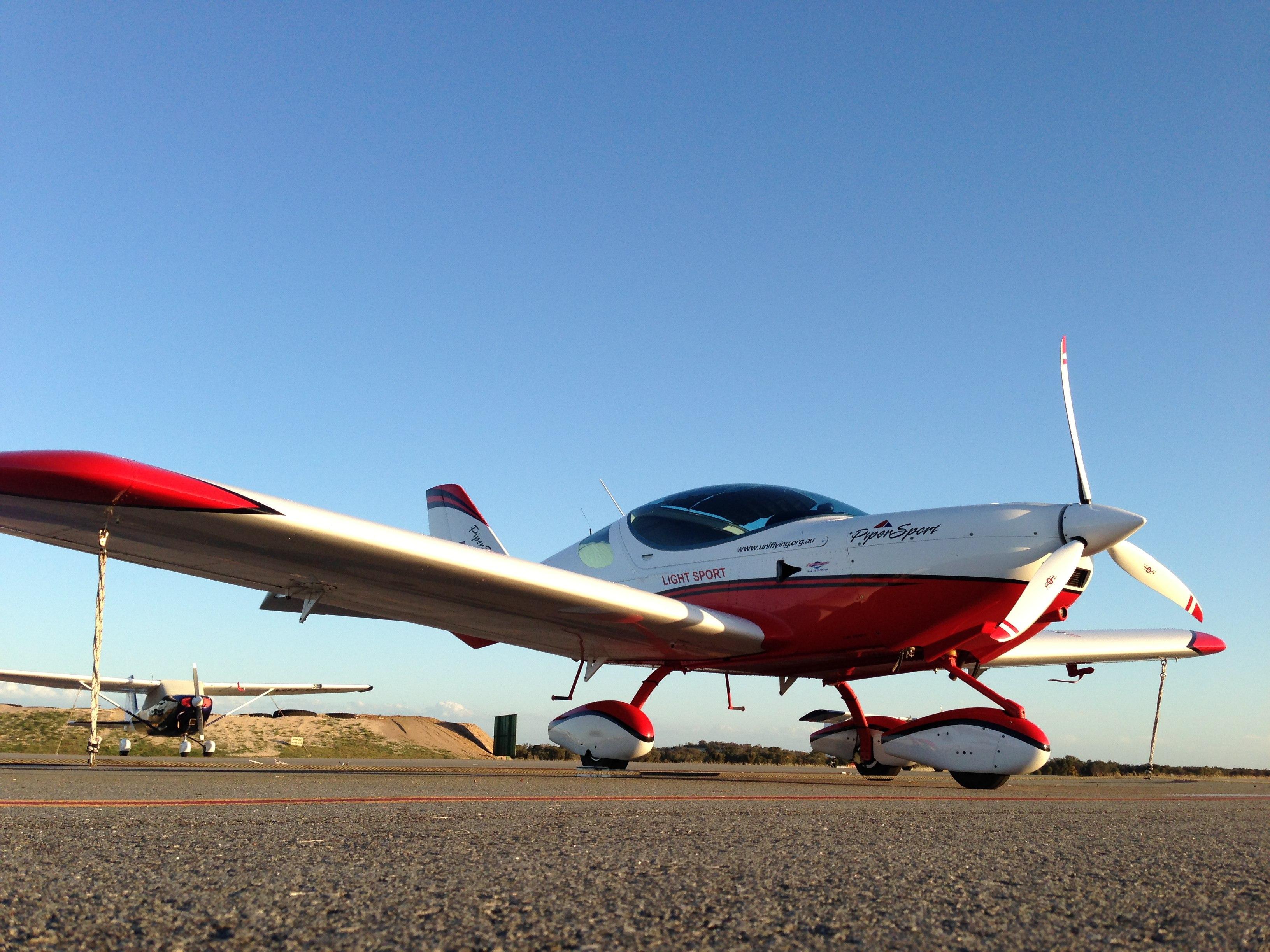 VH-EZT new sensenich propeller jandakot