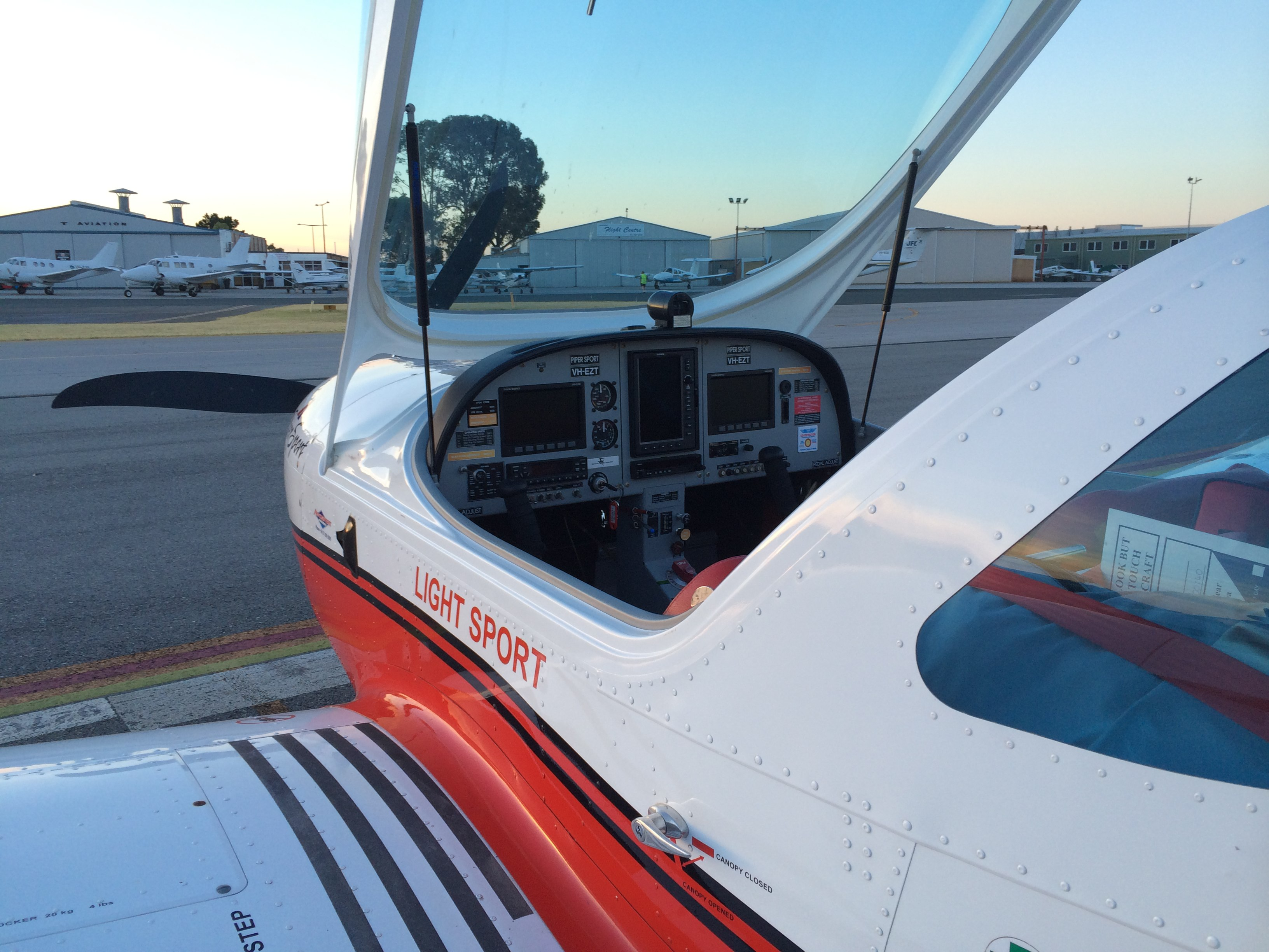 VH-EZT-cockpit-flight-training-jandakot-flying-club-learn-to-fly-trial-flight-scenic-flight-private-hire-aircraft