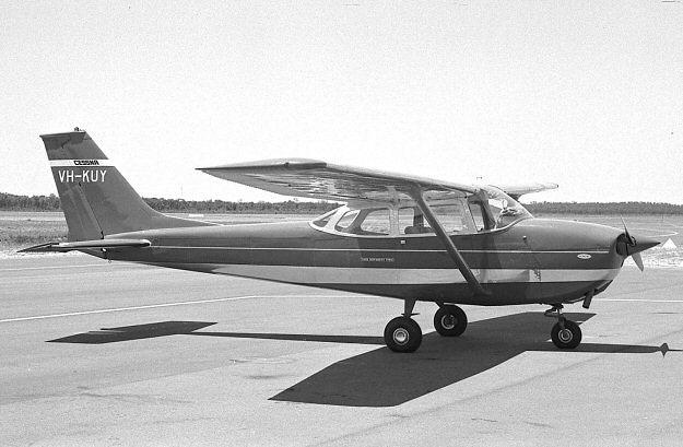 VH-KUY at Perth's Jandakot airport in December 1969