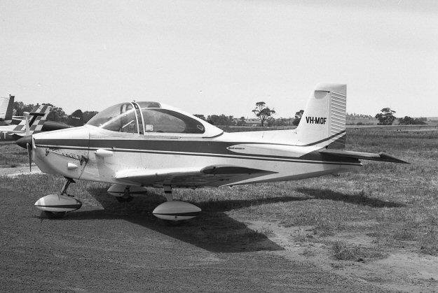 VH-MOF University Flying Club Jandakot Learn to Fly