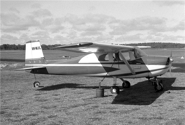VH-WJL at Jandakot in October 1976