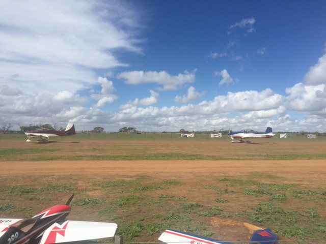 valley view 2015 geraldton northern gully vintage fly in airshow vans aircraft taxiing