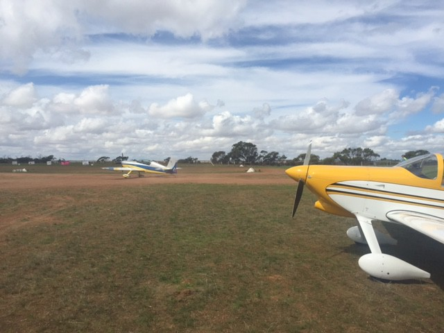 valley view 2015 geraldton northern gully vintage fly in airshow rv7 and extra