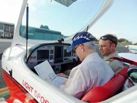 learn_to_fly_at_jandakot_modern_aircraft_pipersport_glass_cockpit