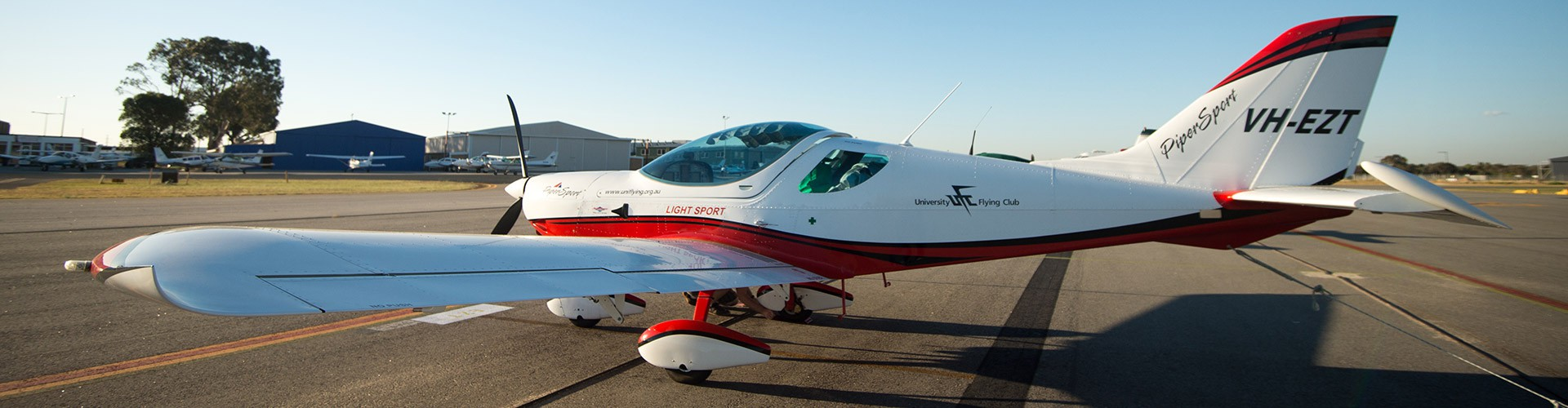 vh-ezt-parking-university-flying-club-jandakot-airport-learn-to-fly-vh-ezt-pipersport-sportscruiser-csa-lsa-rpl-ppl-private-pilot