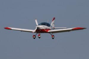 EZT landing at YSEN Serpentine Airfield 2015 Fly In